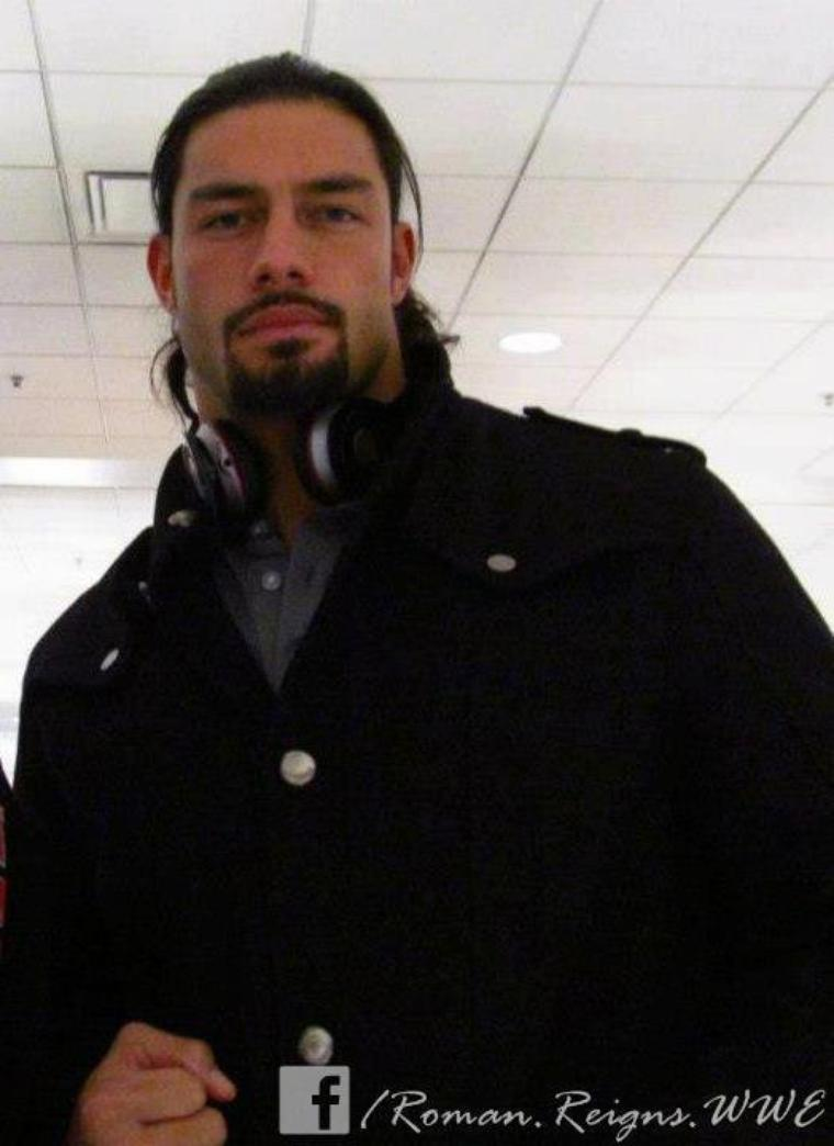 roman reigns (article demandé)