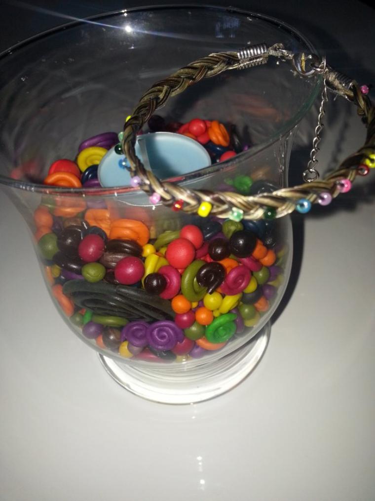 création de bracelet en crins