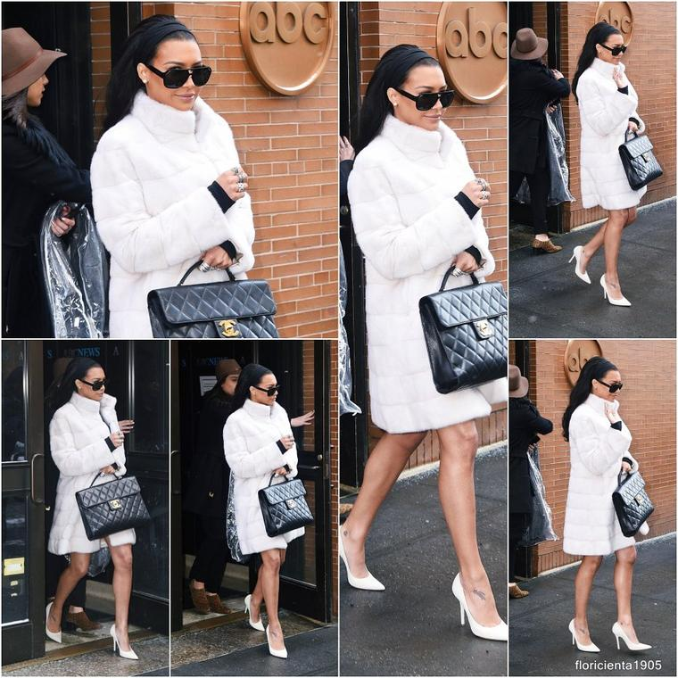 "17/02/15:Naya quittant le plateau de ""The View""."