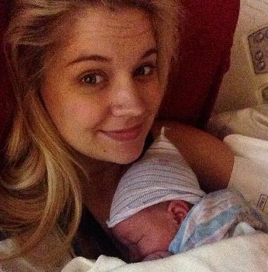 Tiffany Thornton est Maman!