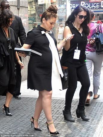 Alyssa Milano enceinte de 8 mois 1/2!