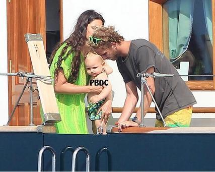 Sasha Casiraghi en vacances avec sa famille!