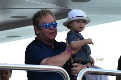 Elton John en Famille!