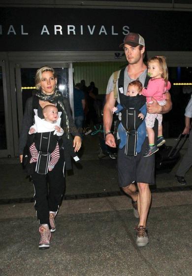La bouille des Jumeaux Hemsworth enfin dévoilée!