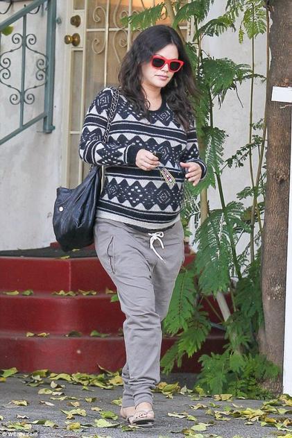 Rachel Bilson enceinte de 9 mois!