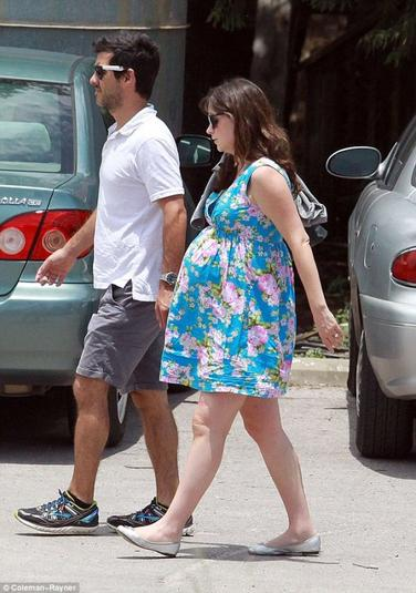 Zooey Deschanel enceinte de Bébé N°1!