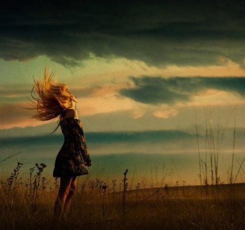 Si on nevoulaitqu'êtreheureux, celaseraitbientôtfait. Mais onveutêtreplusheureuxque lesautres, et cela estpresquetoujoursdifficileparce que nouscroyonslesautresplusheureuxqu'ils ne sont.
