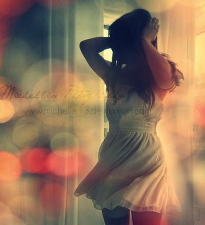 > Il n'y a que deux façons de vivre sa vie : l'une en faisant comme si rien n'était un miracle, l'autre en faisant comme si tout était un miracle.