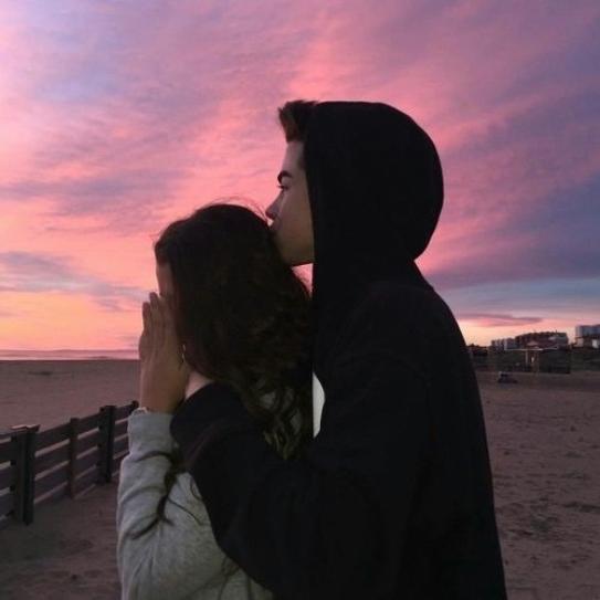 Loin de tes yeux les miens ne voient plus rien, mon c½ur ne bat plus sans le rythme du tien, notre amour restera le plus beau des liens <3