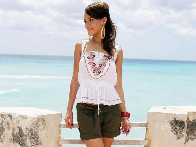 Photoshoot de Rihanna en 2006 à la Barbade !