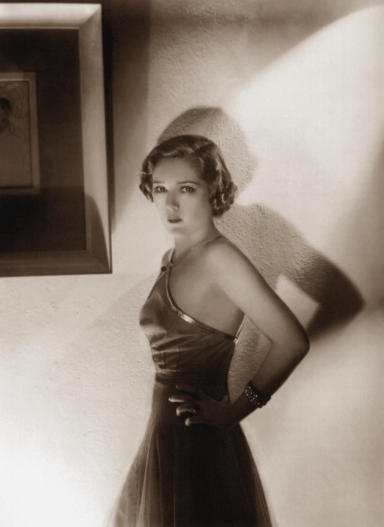 Mary PICKFORD (8 Avril 1892 / 29 Mai 1979) (photo sépia 1935)