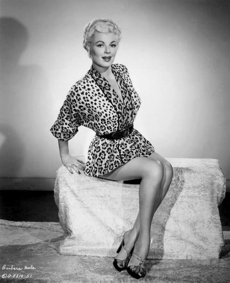 Barbara HALE (18 Avril 1922) (photo N.B. 1955)