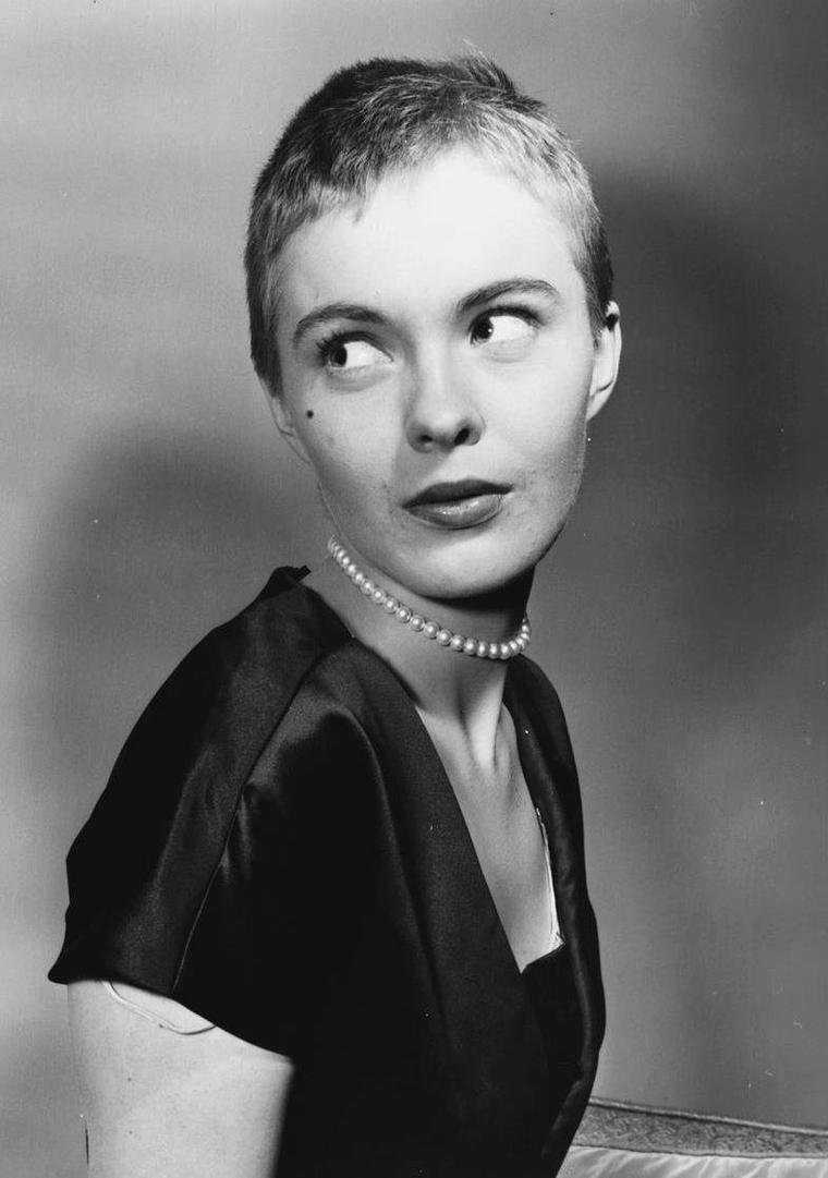 Jean SEBERG (13 Novembre 1938 / 30 Août 1979) (photo N.B. 1957)