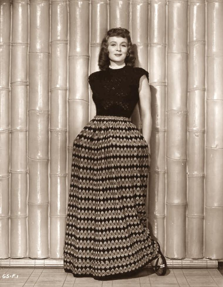 Gloria STUART (4 Juillet 1910 / 26 Septembre 2010) (photo sépia 1946)