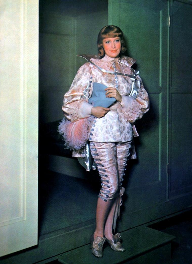 Jeanette MacDONALD (18 Juin 1903 / 14 Janvier 1965) (photo couleur 1937)