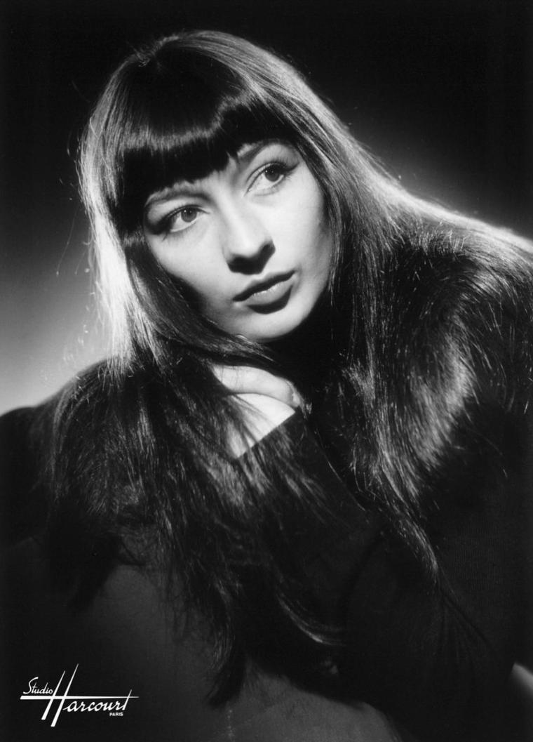 Juliette GRECO (7 Février 1927) (photo couleur 1960)