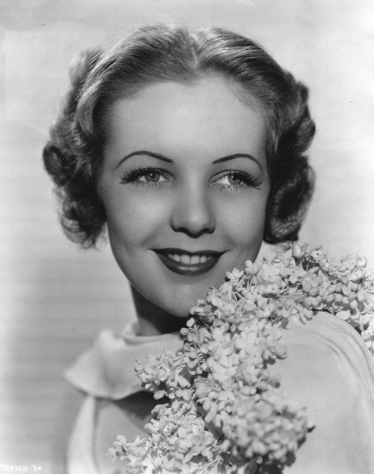 Jeanne MADDEN (10 Novembre 1917 / 15 Janvier 1989) (photo N.B. 1937)