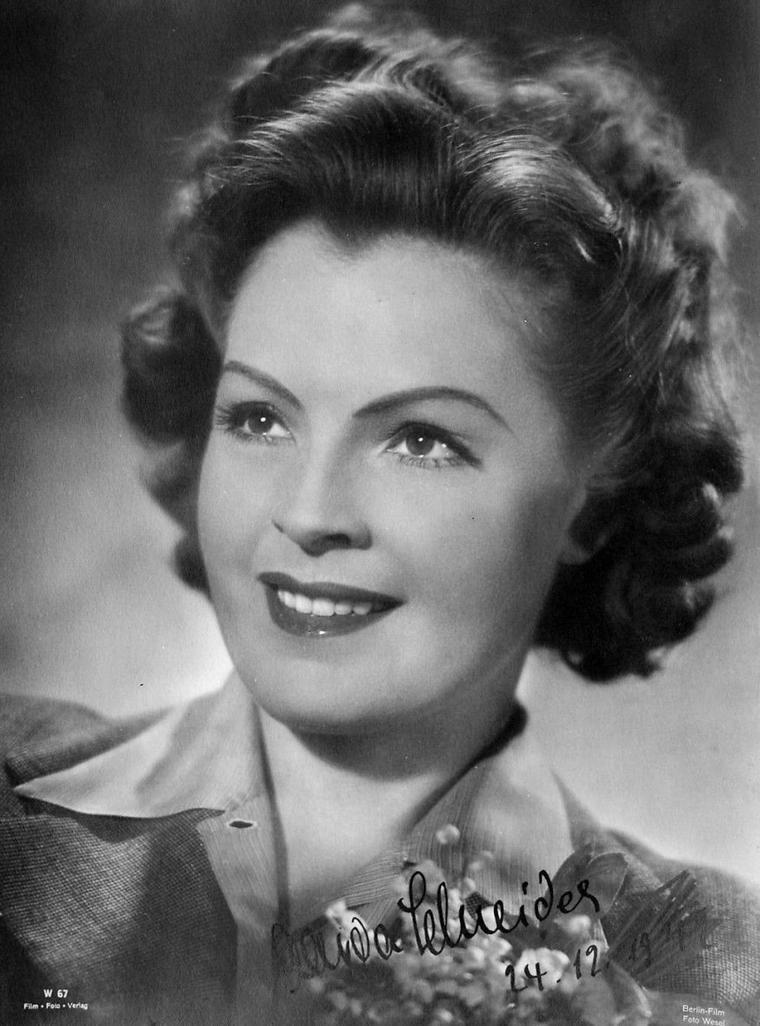Magda ou Magdalena SCHNEIDER (17 Mai 1909 / 30 Juillet 1996) (photo autograph 1942)