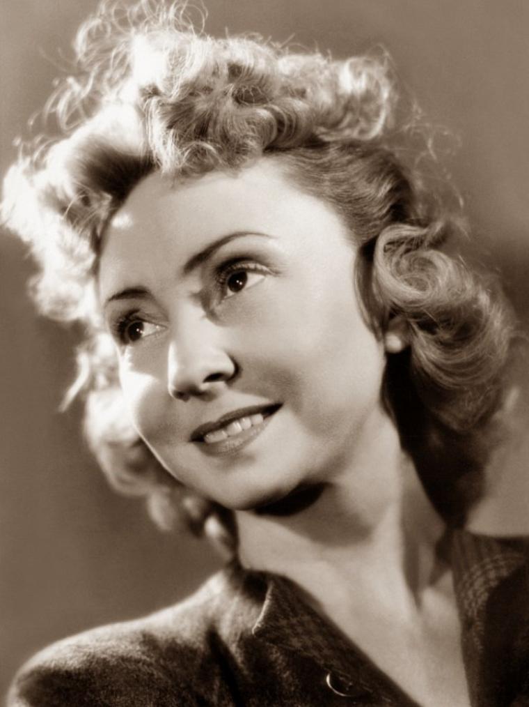 Madeleine RENAUD (21 Février 1900 / 23 Septembre 1994) (photo sépia 1942)
