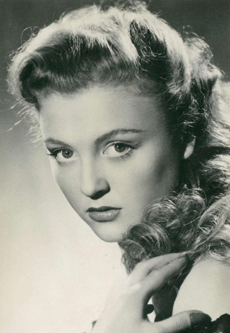 Nicole COURCEL (21 Octobre 1931)