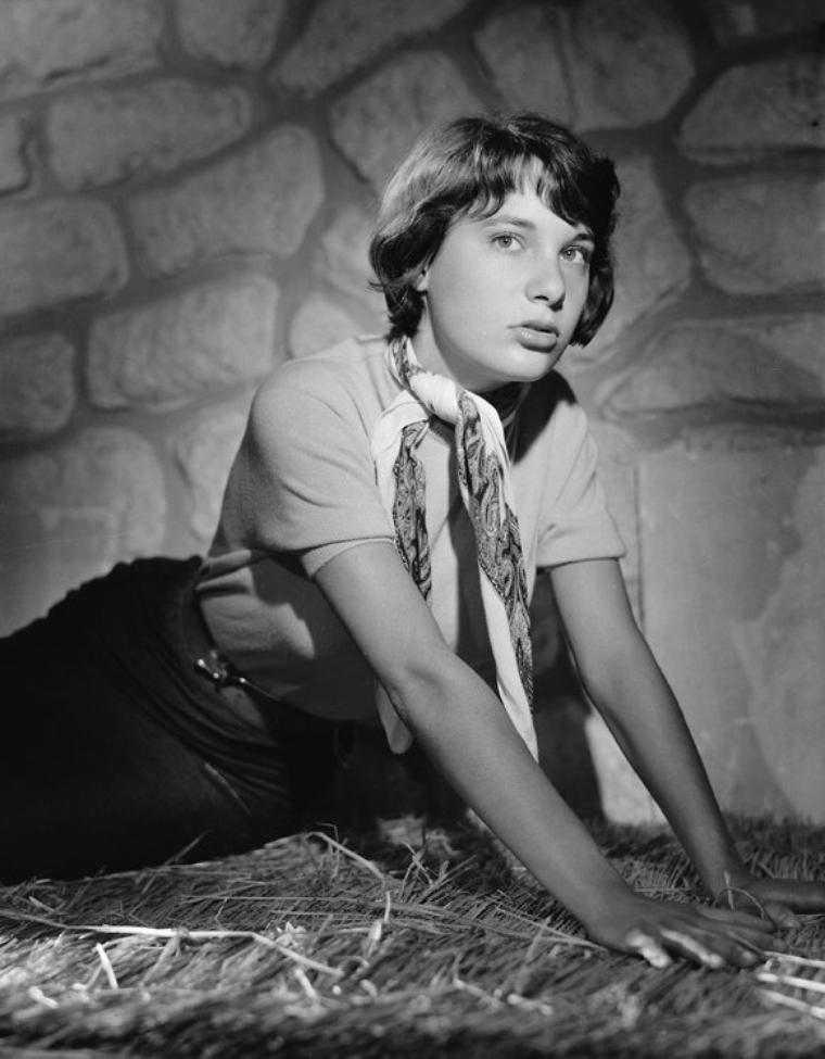 Bernadette LAFONT (28 Octobre 1938 / 25 Juillet 2013) (photo sépia 1960)