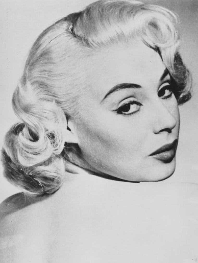 Sandra DORNE (19 Juin 1924 / 25 Décembre 1992)