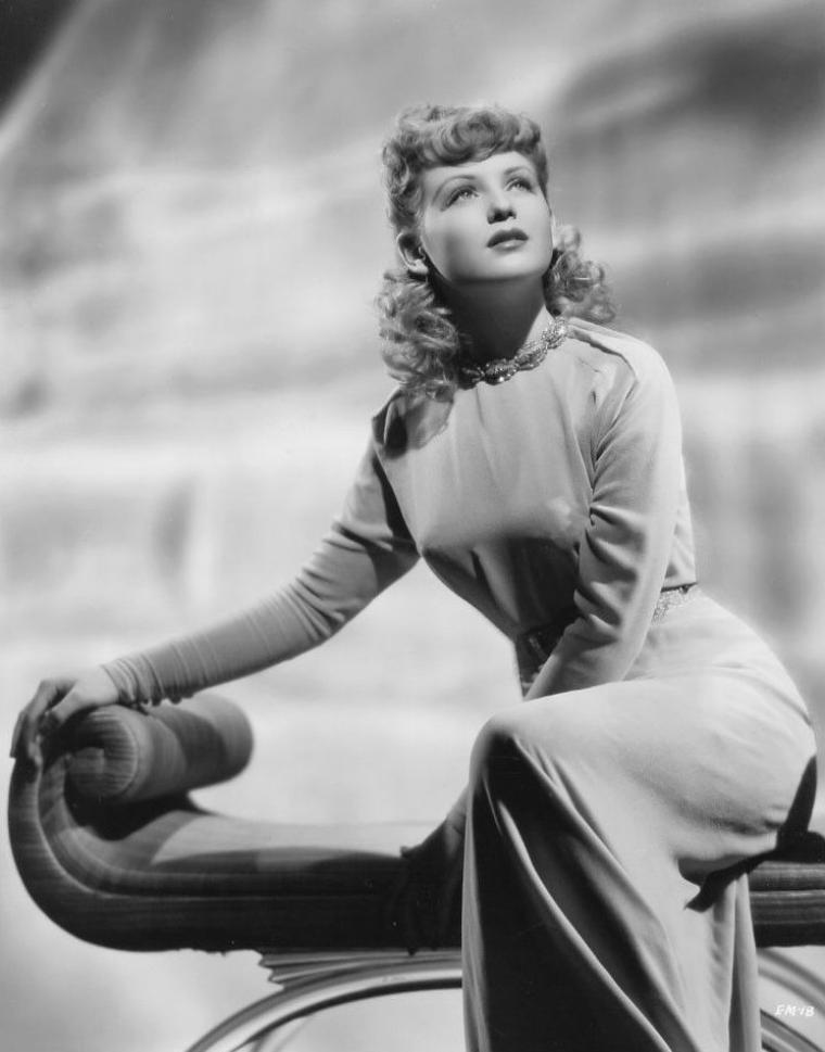 Elaine MOREY aussi connue sous le pseudo de Janet WARREN (3 Octobre 1922)