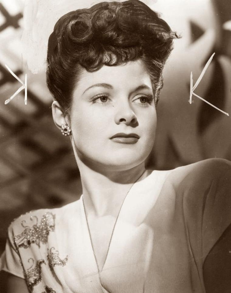 Jo Carroll DENNISON (16 Décembre 1923) (photo N.B. 1943)