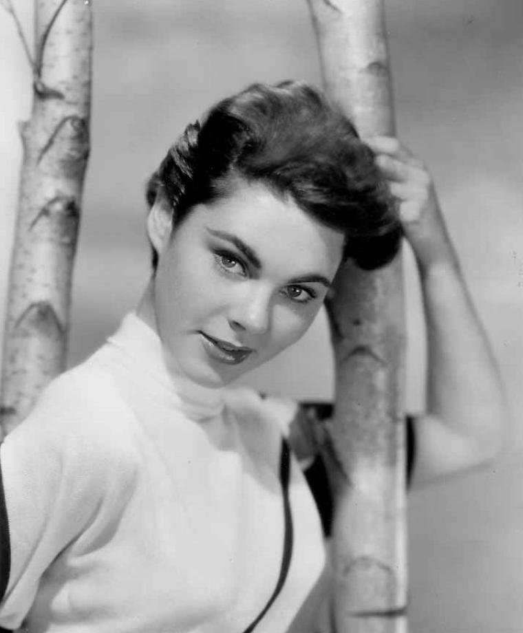 Joanne GILBERT (17 Juillet 1932)