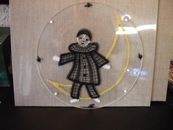 PIERROT Madeleine... dans la lune.