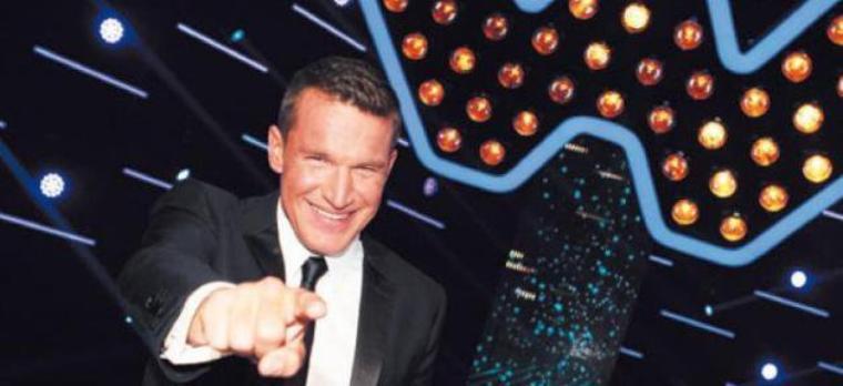 """D8: Au sujet de la """"Nouvelle Star"""", Benjamin Castaldi trouve Cyril Hanouna """"maladroit"""" ..."""