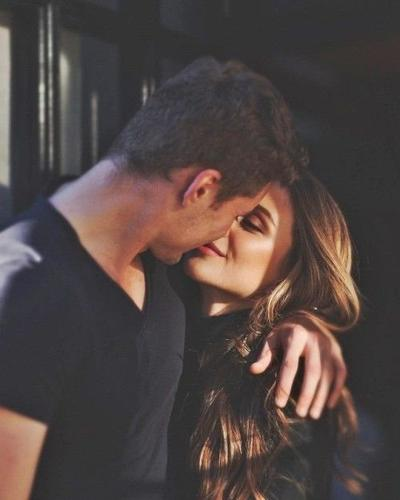 """""""Tout s'est déroulé comme si rien ne pouvait se terminer. Nos deux nuits,  le temps d'un soir, sont devenues bout d'éternité."""" - Lonepsi"""