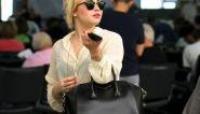Pour la jolie Demi Lovato, il est l'heure de passer aux aveux. La chanteuse confie, avec émotion, qu'elle arrive à gérer le décès de son père.