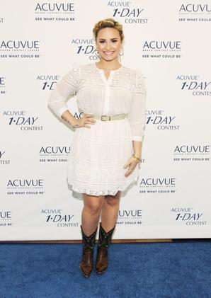 Les médias disent que Demi a critiqué Justin Bieber : FAUX !!!