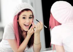 Brushing, maquillage, manucure....comment les faire durer ?