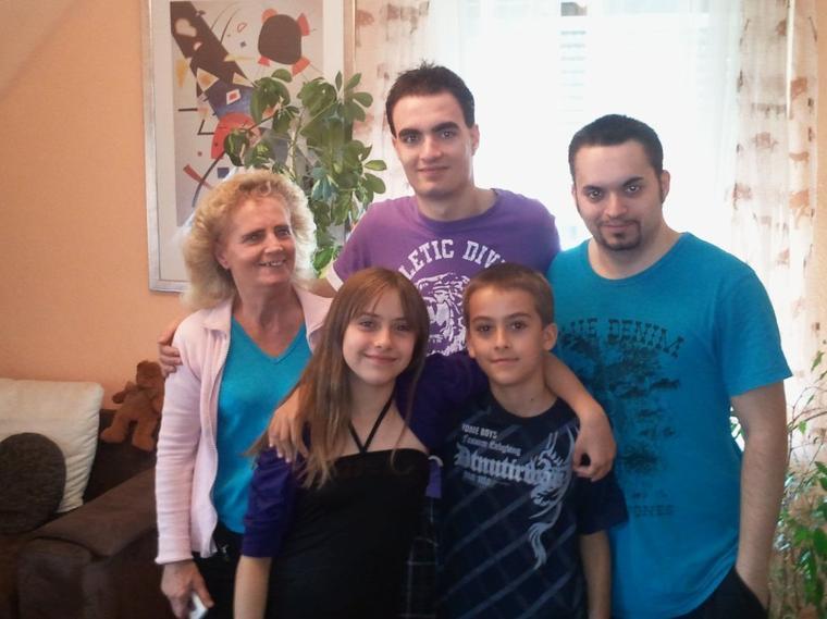 Djackenew et la famille