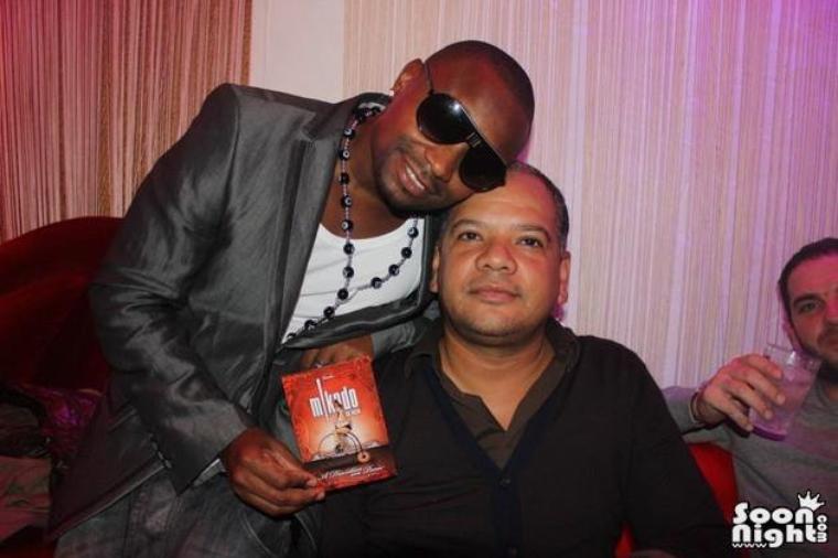 Papa London et Manyone en concert au Club MIKADO