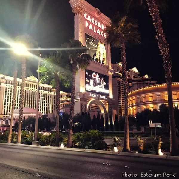 Jour J ce soir celine remonte sur scène à Vegas ...🎤