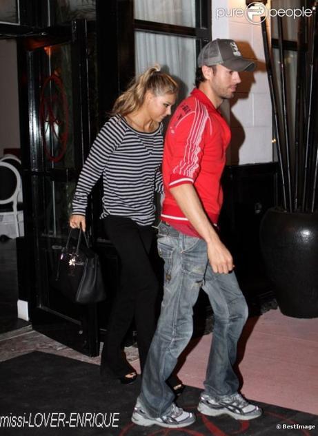 Anna Kournikova et Enrique Iglesias le 26 janvier 2012 à Miami