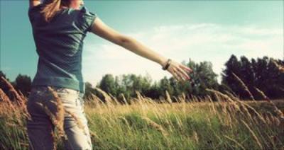 Au bout de combien de temps oublie-t-on l'odeur de celui qui vous a aimée? Et quand cesse-t-on d'aimer à son tour?