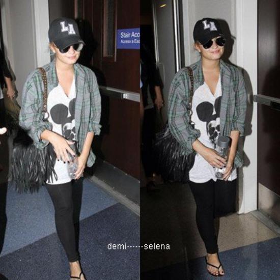 Demi Lovato: à l'aéroport LAX, LA le 10 août