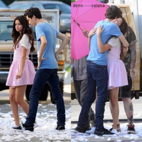 """Selena Gomez: sur le tournage de son nouveau film """"Parental Guidance Suggested"""" le 10 Août"""