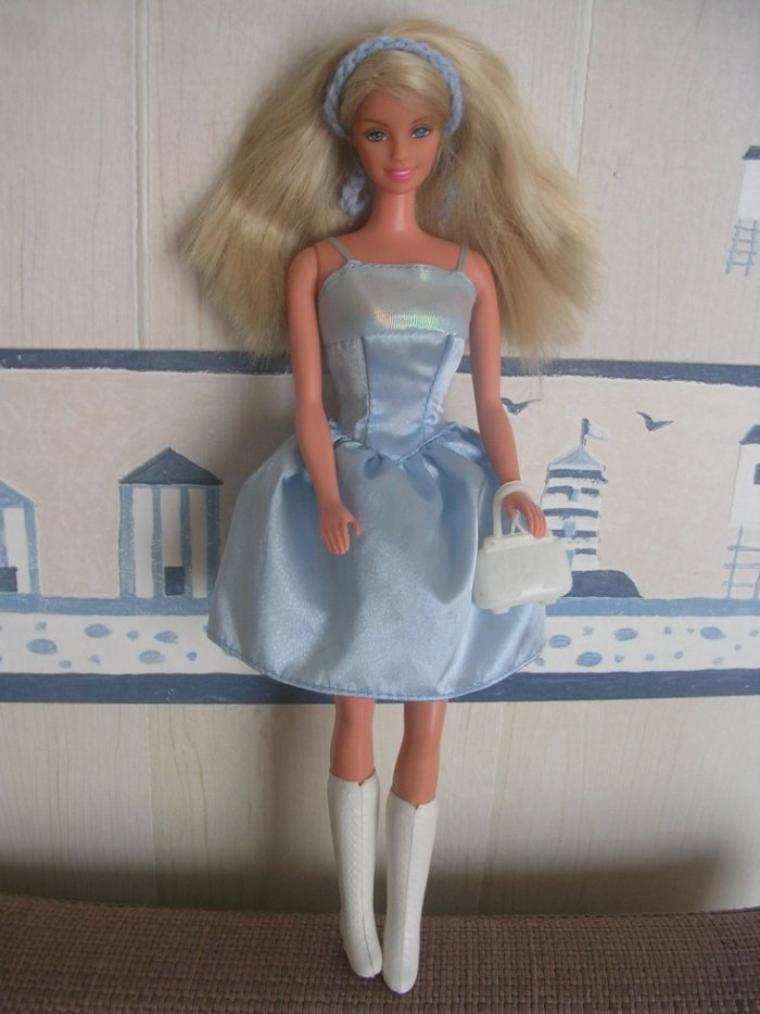 Jolie Poupée Barbie danseuse