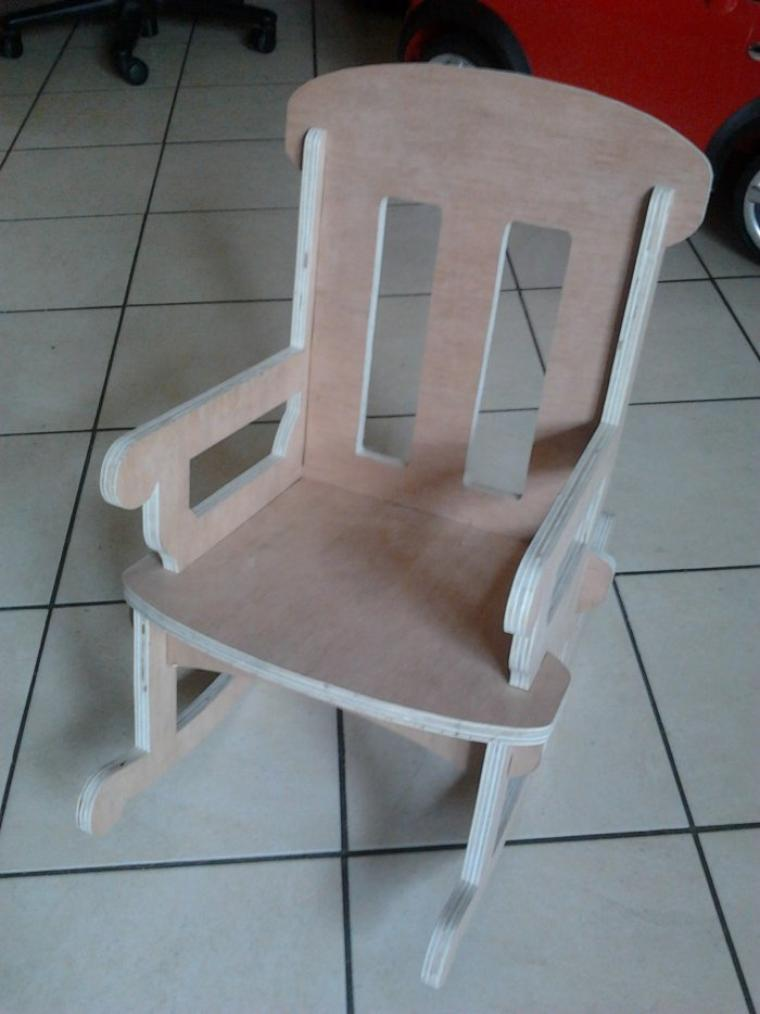 Petite chaise a bascule