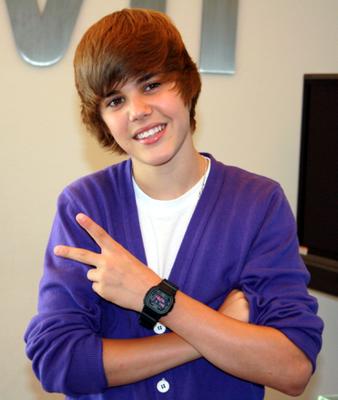 Justin Bieber fait un don de 100 000 $ à une école