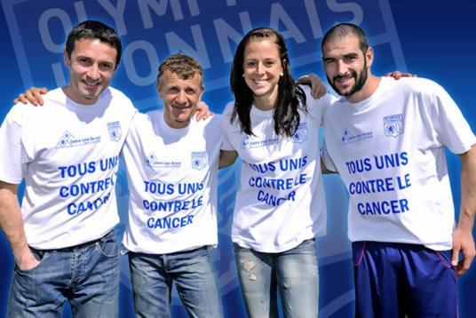#42. Lisandro prend la pose pour la lutte contre le cancer :D