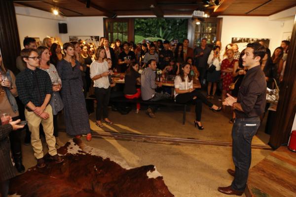 07.10.12 - Joseph Gordon-Levitt lance un partenariat hitRECord & Levi's