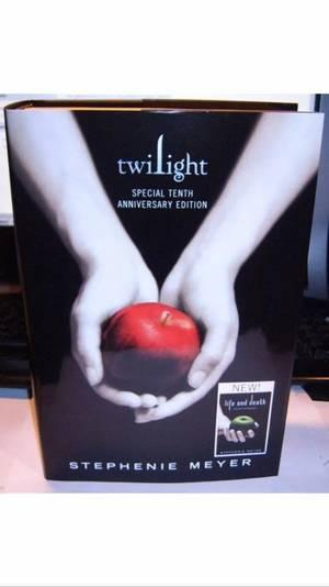 #EDIT Ajout de l'intrigue de Life and Death (La Vie et La Mort en VF) de Stephenie Meyer...