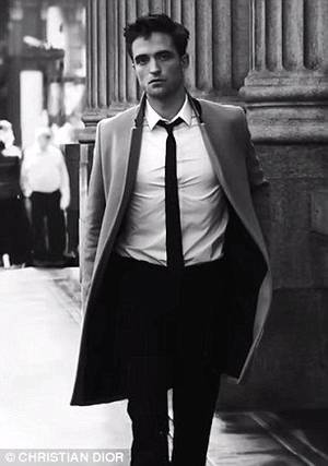 #DIORHOMME le retour de Robert Pattinson pour 1000 Lives #OMG !!