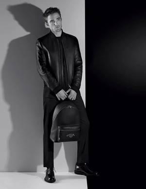 #DIOR, nouvelles photos de Robert Pattinson pour la collection automne 2018 !